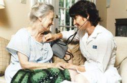 Deficit, la nivel global, în rândul persoanelor care oferă servicii de îngrijire medicală la domiciliu