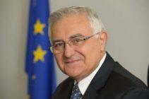 """John Dalli, fostul Comisar European pe Sănătate:  """"Victoria"""" industriei faţă de noua directivă privind produsele din tutun"""