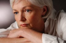 Sănătatea Femeii: 50% dintre femei experimentează simptomele menopauzei timp de 7 ani