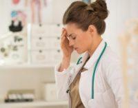 Volumul mare de muncă al medicilor britanici pune în pericol siguranța pacienților