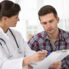 OMS elimină toate restricțiile de eligibilitate în tratamentul HIV