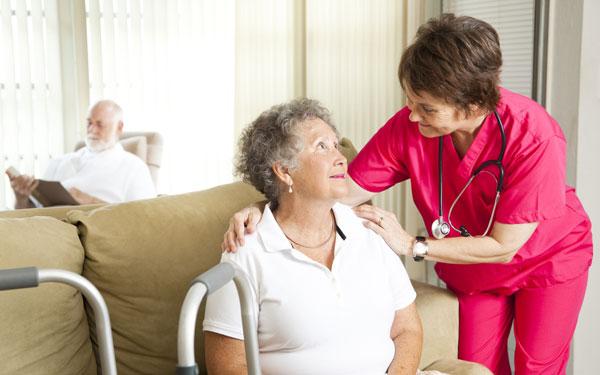 Acces echitabil la îngrijiri la domiciliu pentru vârstnici