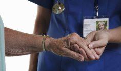 Numărul persoanelor cu vârstă de peste 65 de ani care vor avea nevoie de asistență socială și medicală complexă se va dubla până în 2035