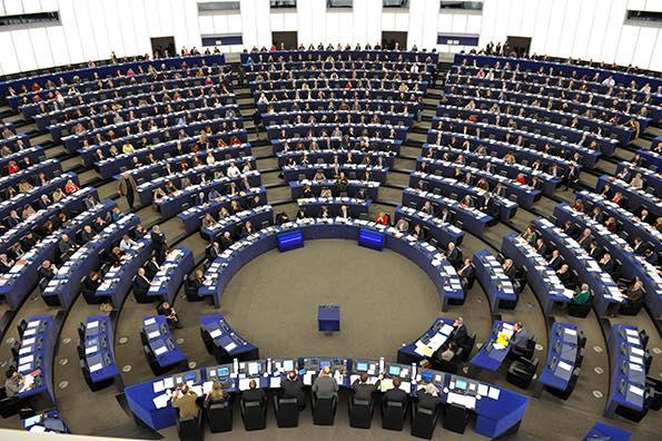 PE a adoptat creșterea bugetului pentru Cercetare în Sănătate, cu prioritate în eradicarea cancerului pediatric până în 2040
