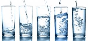 Impactul microparticulelor de plastic din apa potabilă