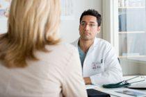 Pacienţii români cu hepatită se confruntă cu liste de aşteptare şi standard terapeutic neactualizat