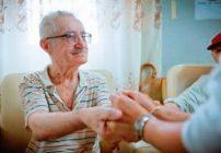 Îngrijirea la domiciliu – soluţia pentru asistenţă pe termen lung a vârstnicilor din România