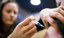 Experții OMS, îngrijorați de ratele scăzute de vaccinare