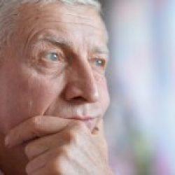 NICE: Îngrijirile integrate – esențiale pentru vârstnicii cu multiple boli cronice