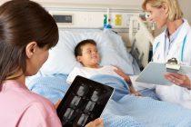 Un dialog constant în sănătate ar putea crește accesul la îngrijiri de calitate