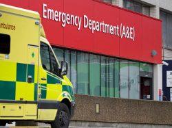 86% din britanici consideră că serviciile de urgență ale spitalelor sunt utilizate în exces