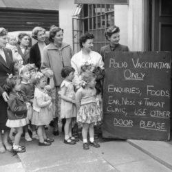 Liderii globali au promis 2,6 miliarde de dolari SUA pentru eradicarea poliomielitei